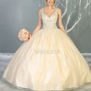 Dresses & Skirts - Pageant ball gown new quiencenara sweet 16 dress
